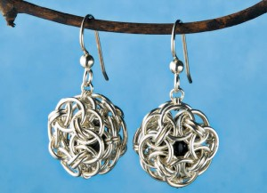 If you like Celtic earrings, then you'll LOVE this FREE Celtic chainmaille earrings with easy-to-follow instructions in this FREE chain maille beaded jewelry ebook.