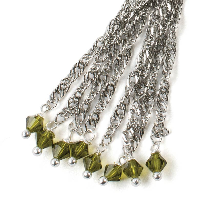 free instructions to make a chain tassel, make your own tassel, on trend tassel to make and wear
