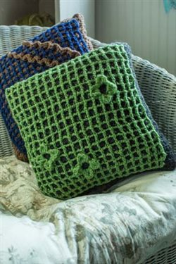 These crochet cushions are perfect for your decor.