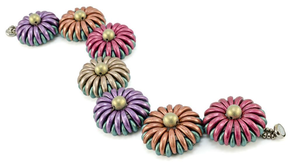 Chrysanthemum, by Nichole Starman. Crescent CzechMats beads