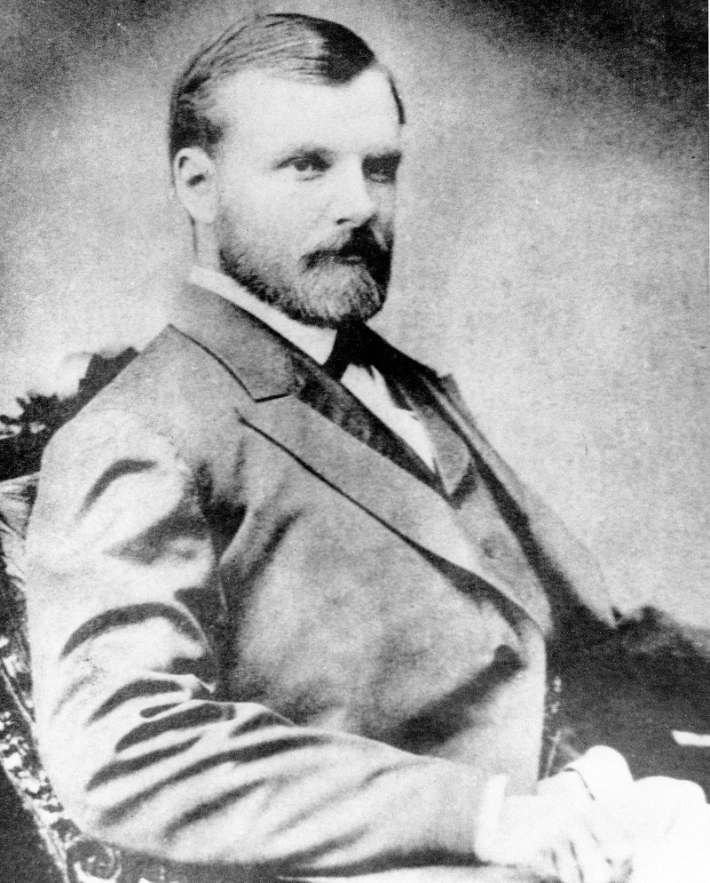 Clarence King. Taken in 1869, about the time of the western survey that made him sure the diamond offer was a hoax. US Department of the Interior, Geological Survey.