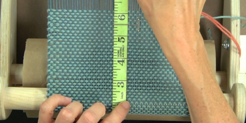 Learn tips and tricks to make your weaving life easier like this clever measuring hack from Liz Gipson.]
