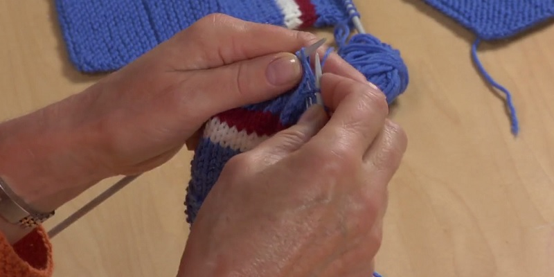 Learn Continental Knitting In a Snap!