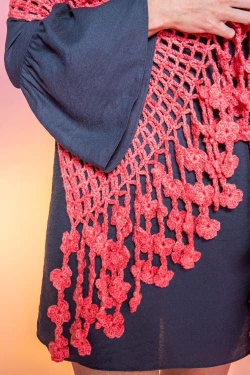 Coral Flame Wrap Close Up of flower fringe