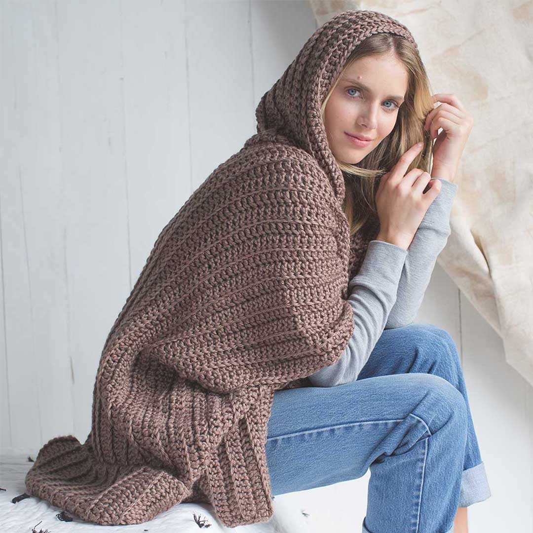Cuddle Up Poncho from <em>Interweave Crochet</em> Winter 2018 | Photo Credit: Harper Point Photography