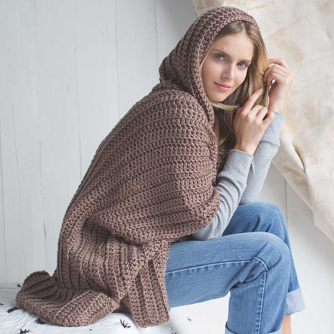 The Cuddle Up Poncho from Interweave Crochet Winter 2018 CREDIT: Harper Point Photography