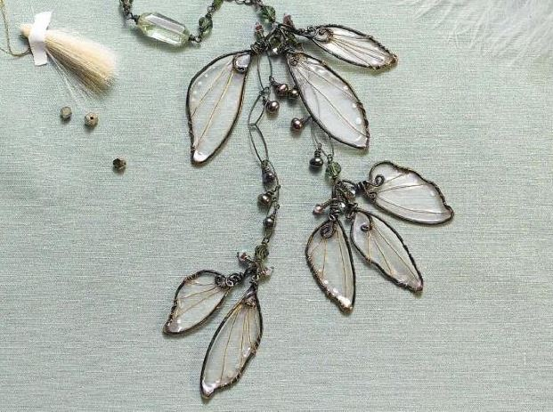 make wire and resin wings inspired by Cynthia Thornton's Woodland Wings necklace
