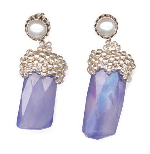Learn how to make crystal earrings in this FREE guide that includes beaded jewelry making projects and techniques with beads.