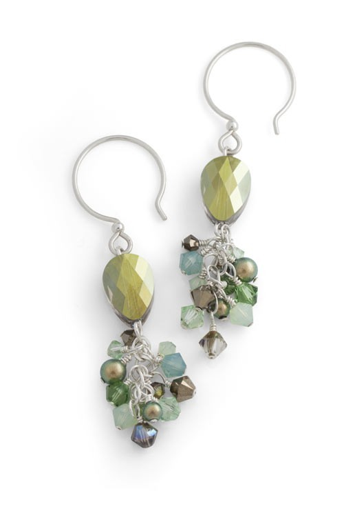 7 Beaded Jewelry Designs Inspired by Pantone's Color of the Year. Dazzling Earrings