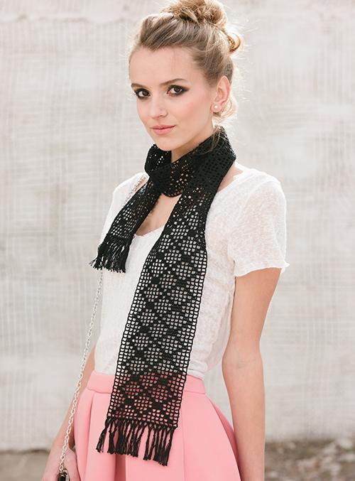 Diamond Filet Scarf with crochet filet pattern