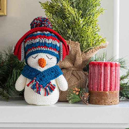 Free Crochet Snowman Baubles - Christmas Decorations | 500x500