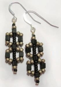 Figure_8_earrings-1