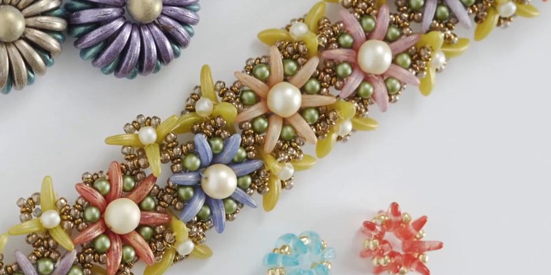 How to Create Beautiful Beaded Floral Patterns Using Crescent Shaped Beads