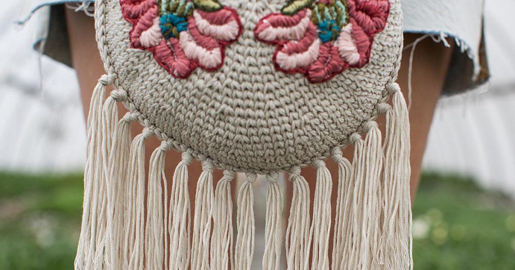 <em>Interweave Crochet</em> Spring 2018: Flourishing Purse