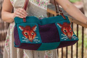 Traveling Bag in Tunisian Crochet.