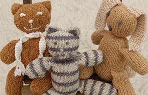 Knit this knitted cuddlies found in our FREE eBook on knitted toys.