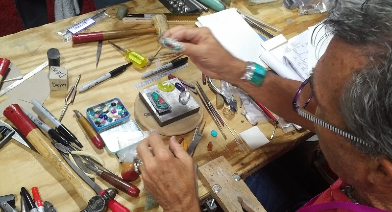 How to Choose the Right Bead Fest Classes for You