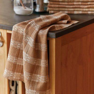 Berta Frey Crackle Towels in Sustainable Cotton LINDA GETTMANN