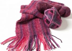 Weave a scarf with knitting yarn!