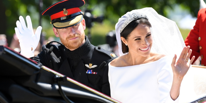 Stitch an Elegant Bracelet to Celebrate the Royal Wedding