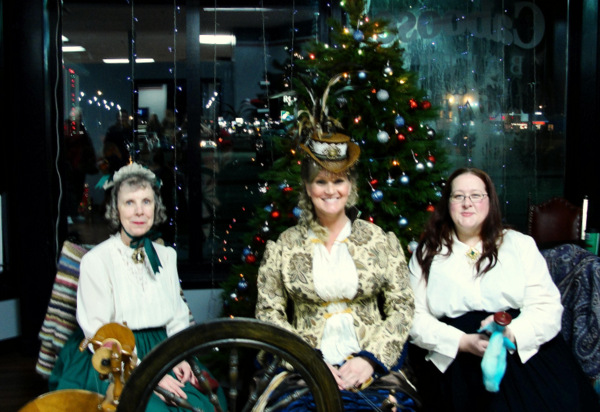 Members of the Tulsa Handspinners Guild at Dickens on the Boulivard. Photo courtesy of Diana Hartzmann.