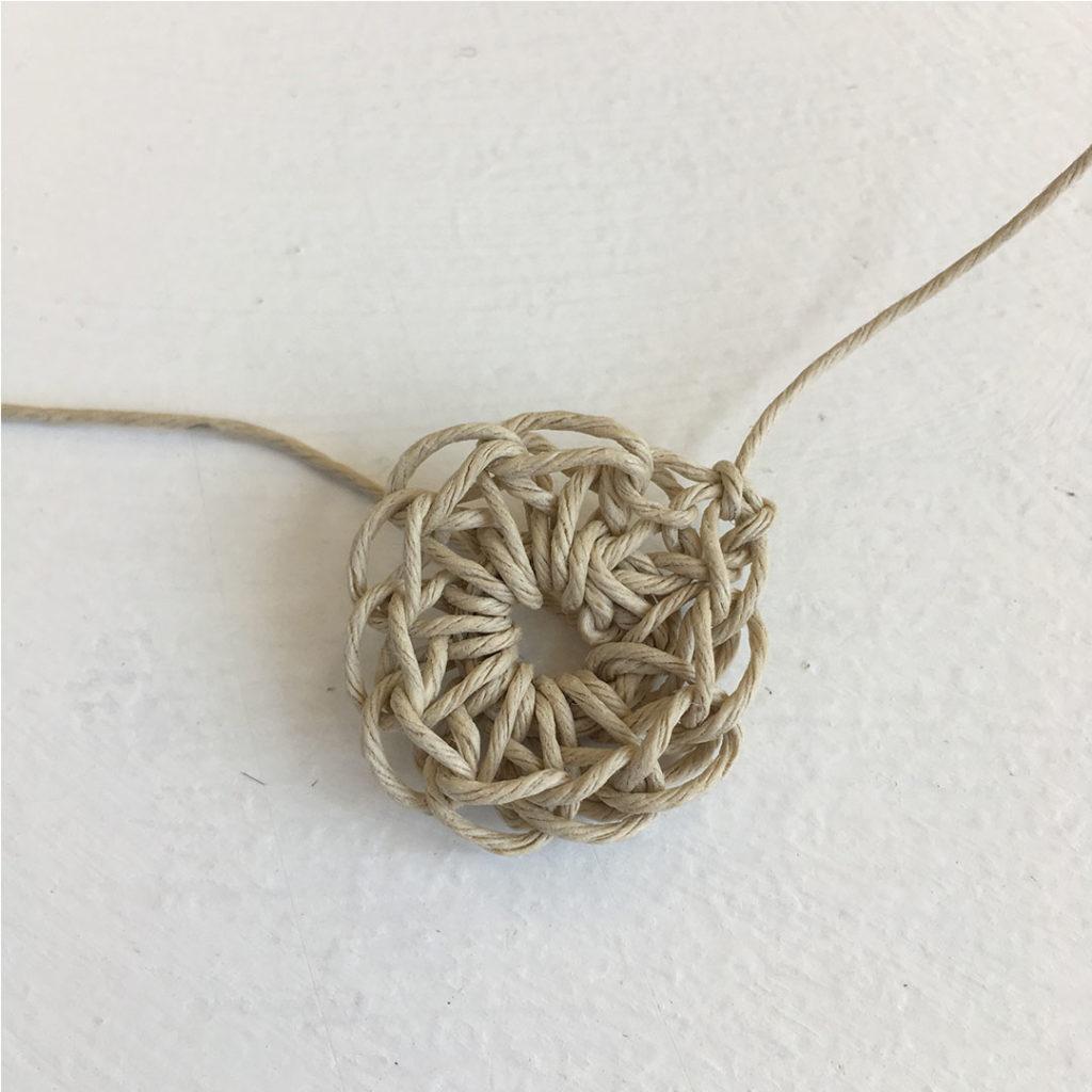 make yourself a yarn button