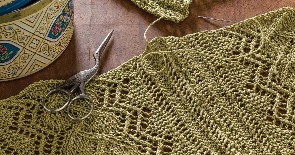 The Lure of Lace: <em>PieceWork</em>'s Special Issue <em>KnittingTraditions</em> Fall 2013