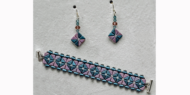 W.O.R.D.: Flo Hendry's Earrings as Variation of Amy Kohn's Two To Tango Bracelet