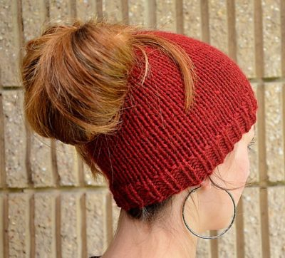 SplitStitch's Holey Hat, the perfect bun hat