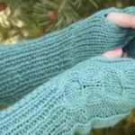 Last-Minute Loops Scarf: Free Knitting Pattern