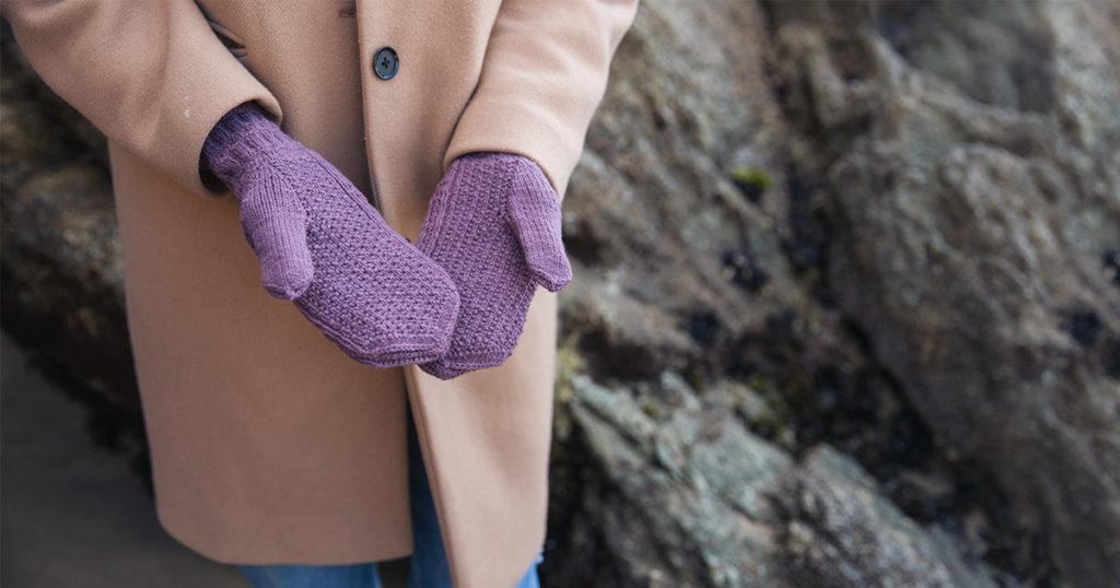 <em>Gansey Style Accessories</em>: Humber Star Mittens