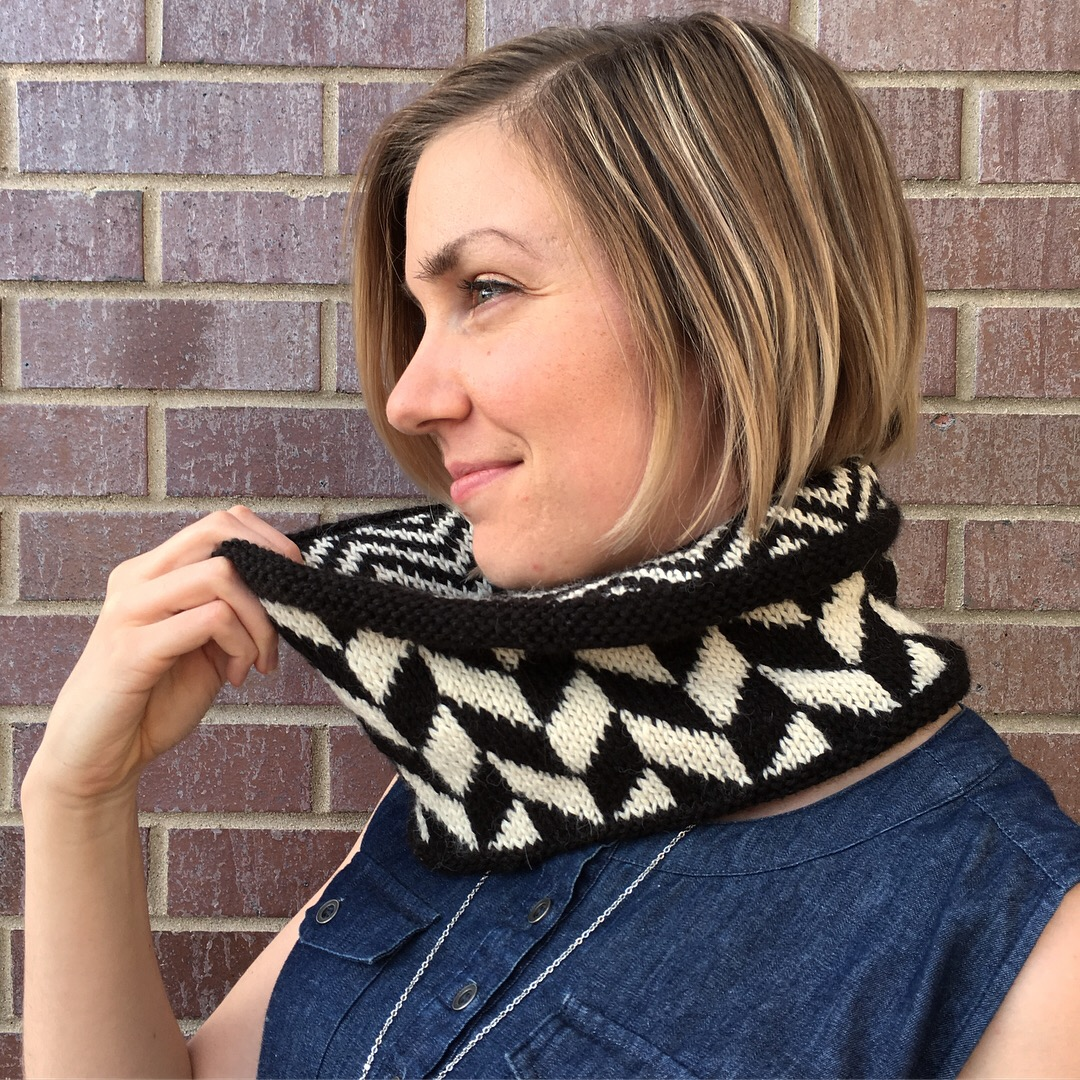 You can see both stranded colorwork patterns at once in the two-sided Equilibrium Cowl.