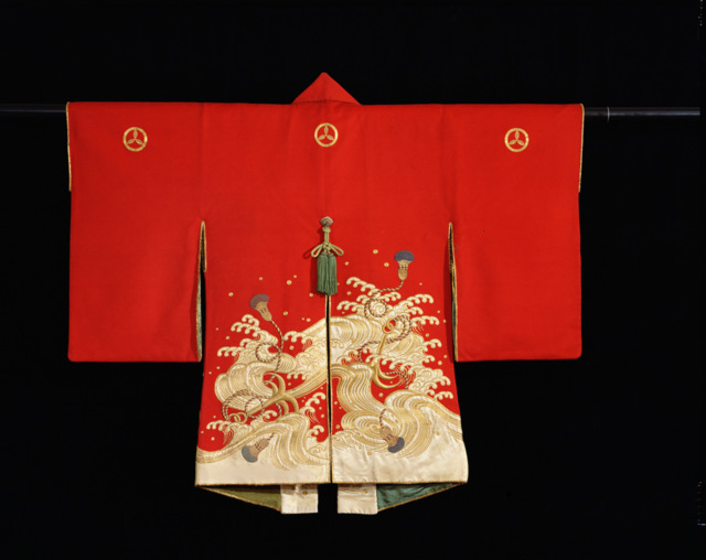 Firefighter's ceremonial coat (kajibanten), Japan, 18th–19th century, Edo period. Wool with gold- and silk-thread embroidery and applique, 38 x 48 in. John C. Weber Collection.  Photo by John Bigelow Taylor.