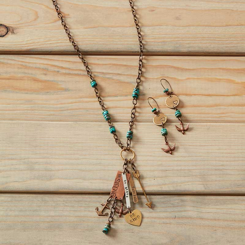 Beaded jewelry designs by Jess Italia Lincoln of Vintaj.