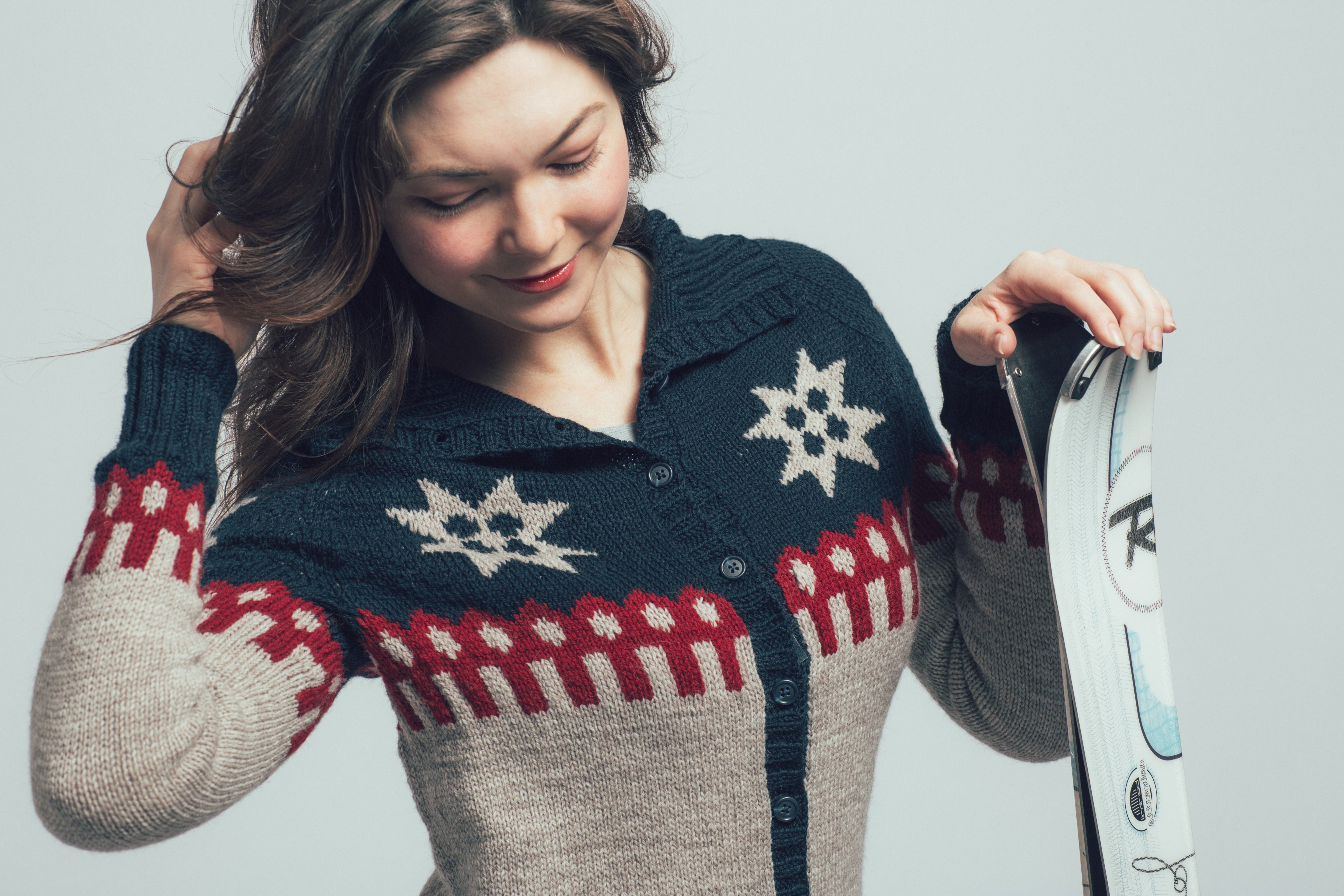 Ski Lodge Cardigan by Jesie Ostermiller from knitscene Winter 2016