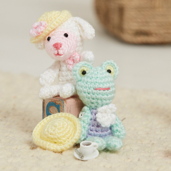 Lamb and frog pocket pals from Love of Crochet Spring 2017.