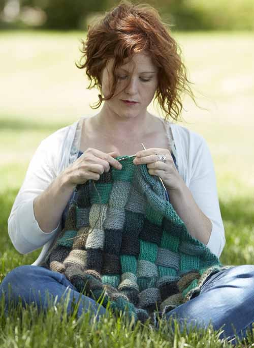 Lisa knitting the Lady Eleanor entrelac knitting pattern