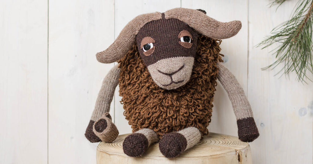 <em>Knits Gifts</em> 2018: Murray the Musk Ox