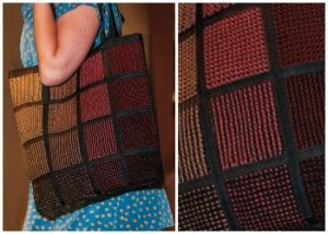 Make your own bag out of pin loom squares with this free weaving pattern.
