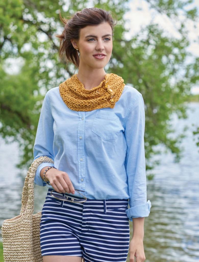 http://www.Mardi Gras Gold Herringbone Crochet Cowl, Continuous Crochet by Kristin Omdahl