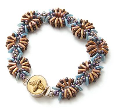 Beaded bracelet by Melinda Barta using glass beads from Starman