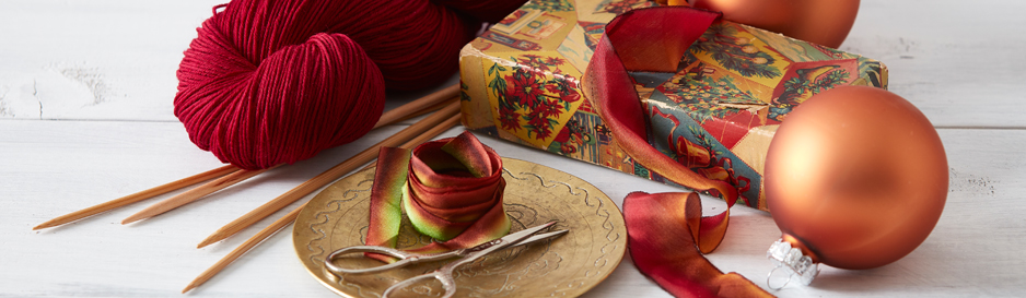 Give the gift of heirloom tools or knitted projects this holiday season!