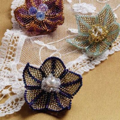 Peyote Stitch Companion, Flirty Flower Brooch, by Louise Smith, Peyote stitch