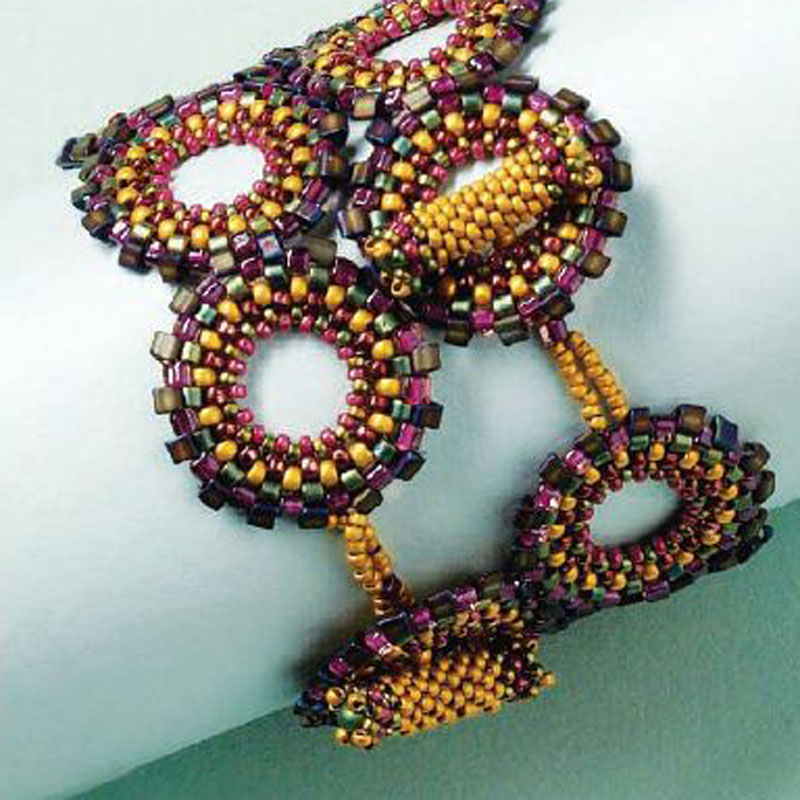 Peyote Stitch Companion, Pixilated Peyote Cuff, by Melinda Barta, Peyote stitch bracelet