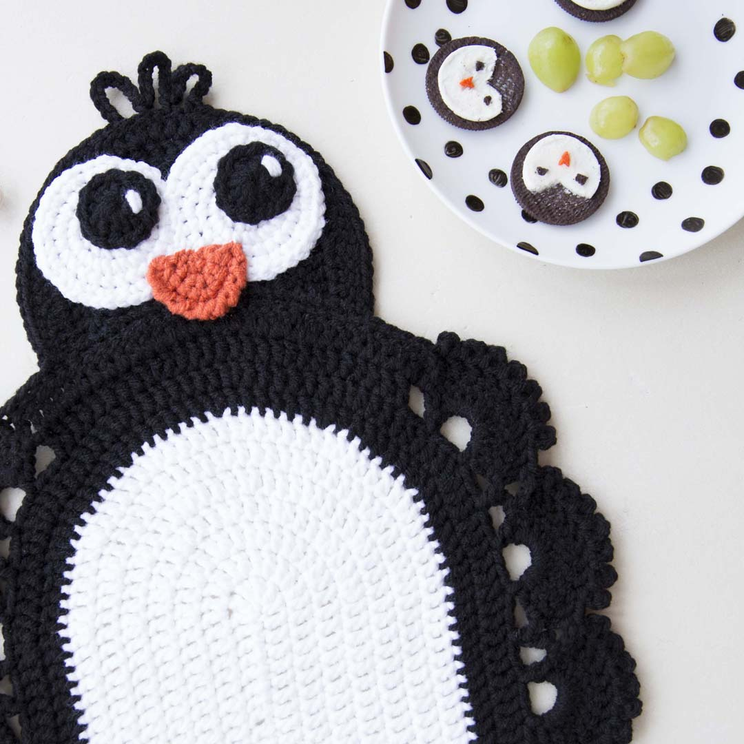 crochet animal penguin placemat