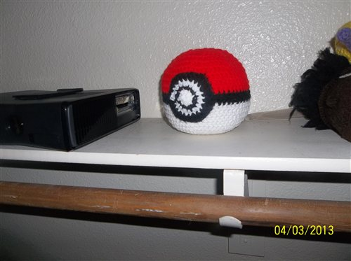 Crochet Pokeball is a great crochet gift.