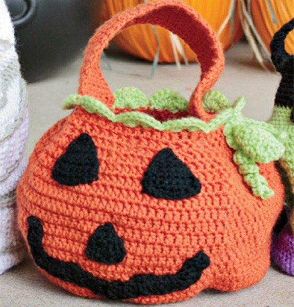crocheted trick-or-treat bags