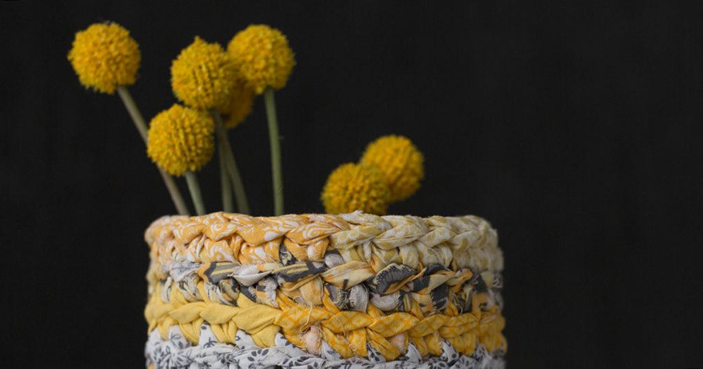 Pattern of the Week: Rag Yarn Vase Cozy