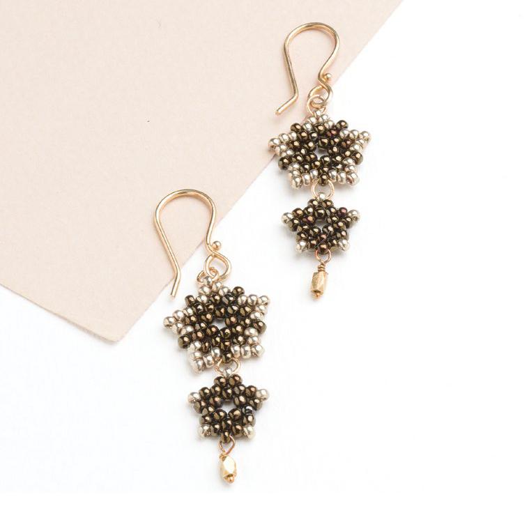 Peyote Star Earrings by Barbara Richard seed bead patterns