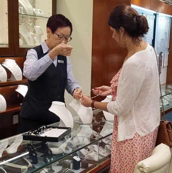 tips for buying gemstones and jewelry while traveling